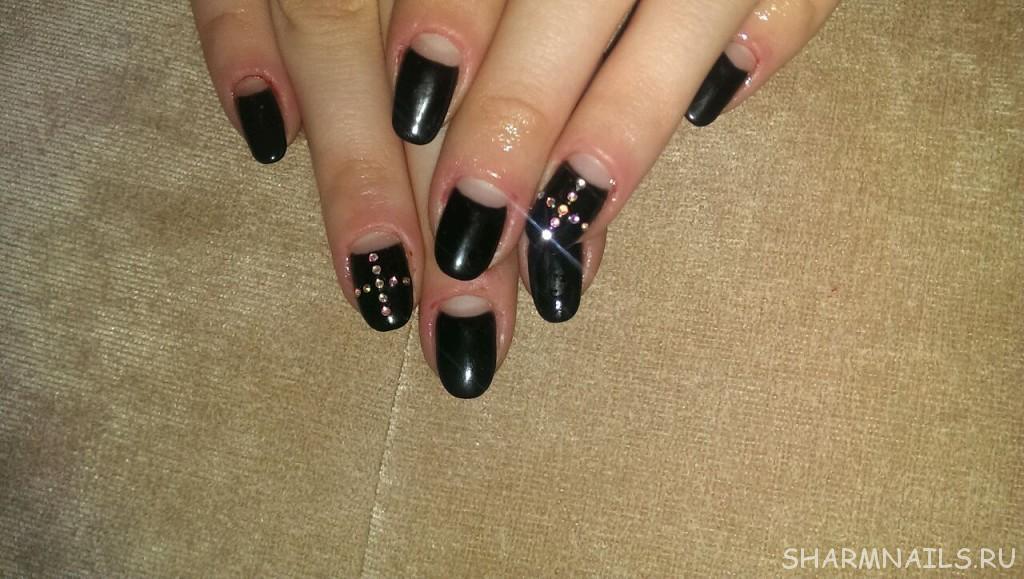 Дизайн ногтей черный френч с красным